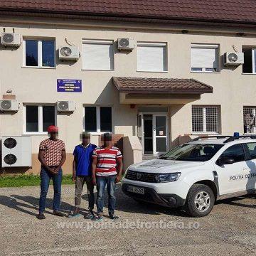 Trei cetățeni din Gambia, opriți la frontiera de nord a țării