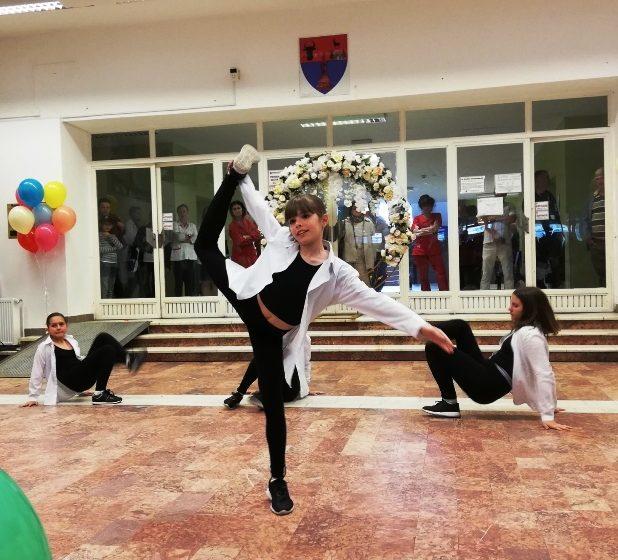 GALERIE FOTO   Super petrecere pentru copii la Spitalul Județean