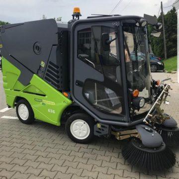 VIDEO | Administrația locală din Cavnic a achiziționat o mașină de curățare stradală