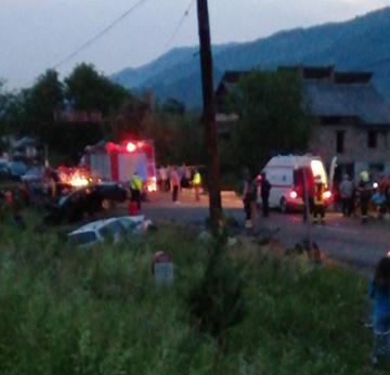ACTUALIZARE | Doi morți și doi răniți grav într-un accident la intrarea în Petrova ( FOTO)