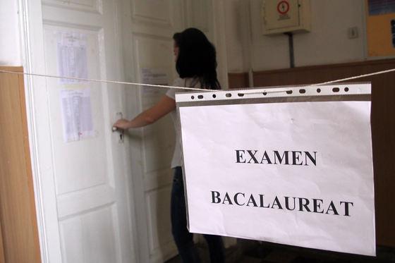 BAC 2019: Absolvenţii susţin proba scrisă la Limba şi literatura română