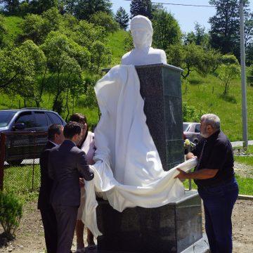130 de ani fără Eminescu.Dezvelirea bustului marelui poet la Topcina (Maramureșul de Nord, Ucraina)