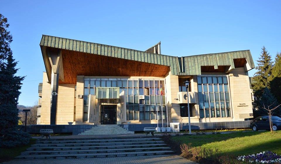 Președinții de consilii județene vor fi aleși prin vot uninominal