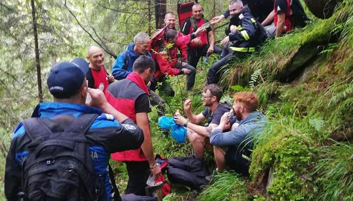 VIDEO | Turiști americani găsiți după ce s-au rătăcit în Munții Rodnei