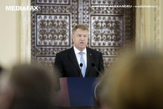 Curtea Constituţională dezbate, miercuri, sesizările Opoziţiei şi ale lui Klaus Iohannis pe codurile penale