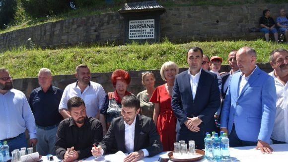 FOTO | S-a semnat contractul de proiectare și execuție lucrări pentru reabilitarea DJ 186 pe Valea Izei