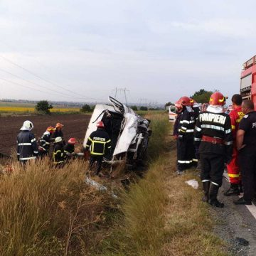 Accident cumplit: Trei persoane au murit, în urma unei pătrunderi pe contrasens