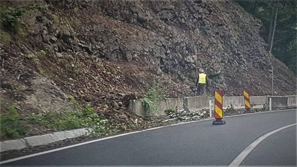 Atenție șoferi! Au început lucrările de punere în siguranță a circulației rutiere pe DN 18