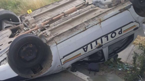 La volanul autovehiculului urmărit de către autospeciala de poliție care s-a răsturnat joi la iesire din Vadu Izei se afla o femeie de 40 de ani