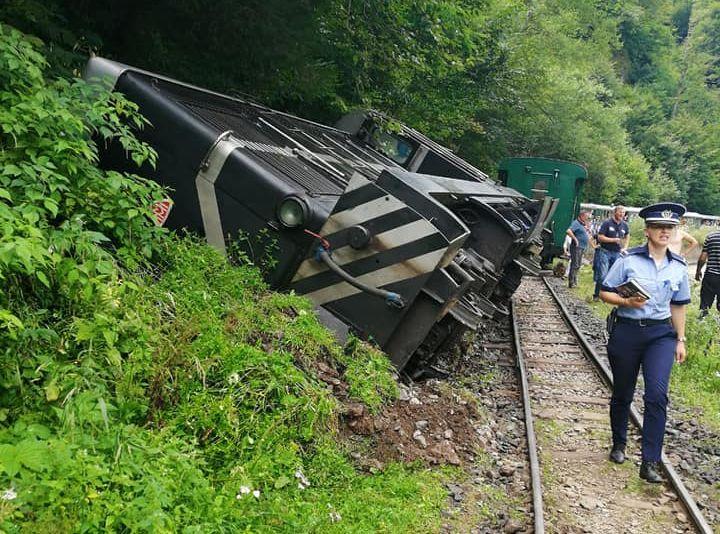 FOTO | ACTUALIZARE: A deraiat Mocănița. 12 persoane au ajuns la Centrul de Primire Urgențe Vișeu de Sus