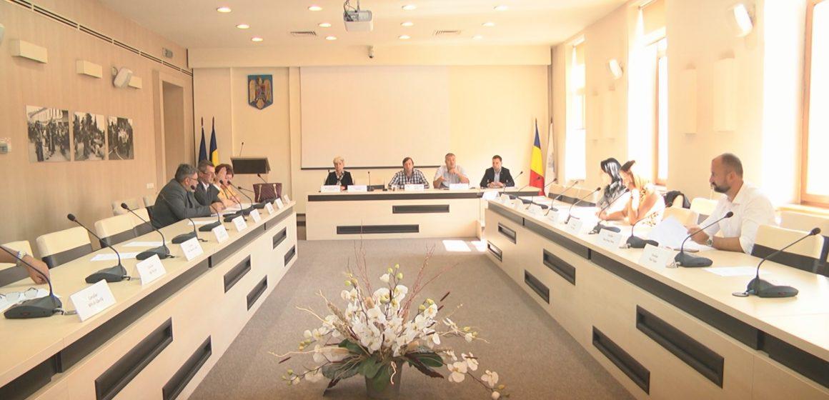 Consilierii locali sigheteni s-au întâlnit în şedinţă extraordinară