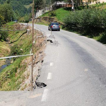 DJ 188, afectat în urma unei alunecări de teren