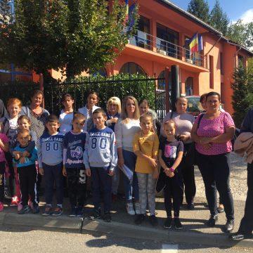 Părinți revoltați din cauza închiderii unei școli din Borșa
