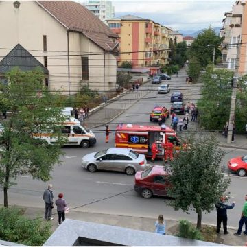 Trei copii răniți într-un accident