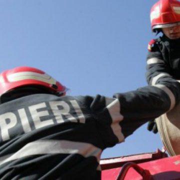 Cabană incendiată, polițiștii îi caută pe făptași