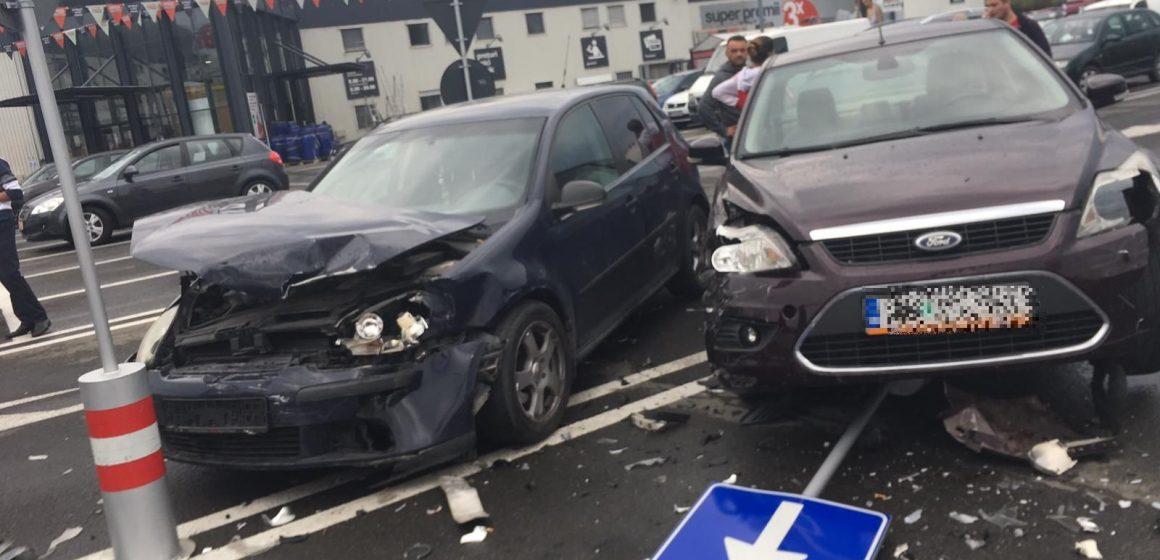 Accident în parcare
