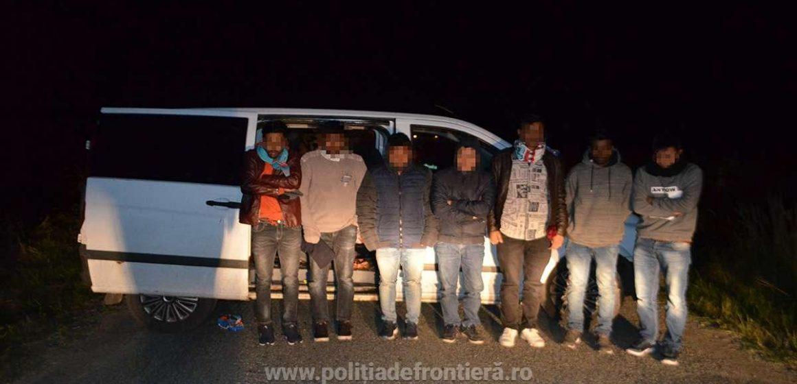 Șapte migranți asiatici și patru călăuze – prinși la graniță