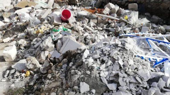 Firma de salubrizare din Sighet pune la dispoziție pentru toți cei care își reabilitează locuința, containere speciale pentru colectarea molozului