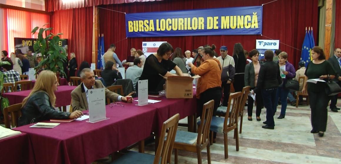 Peste 600 de joburi puse la bătaie la Bursa locurilor de muncă