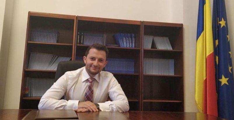 Reacție a deputatului Duruș (USR) după incendiul de la Casa de Cultură. Orgoliile sindicatelor și ale primăriei pot duce la pierderi de vieți