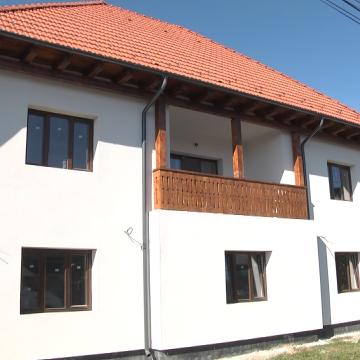 Se lucrează intens la noua clădire în care va funționa Primăria Vadu Izei