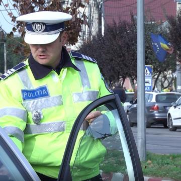 VIDEO | Au fost prinși conducând beți sau fără permis