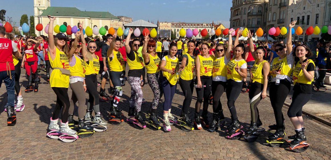 VIDEO | 14 fete din Sighet au participat la cea mai mare oră de Kangoo Jumps, eveniment demn de Cartea Recordurilor