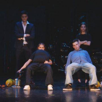 """Boboci frumoși și talentați au intrat în cursa pentru titlurile de miss și mister la Colegiul Național """"Mihai Eminescu""""din Baia Mare"""