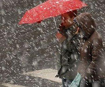 Lapoviță și ninsoare, dar și ploi prognozate până miercuri în Maramureș