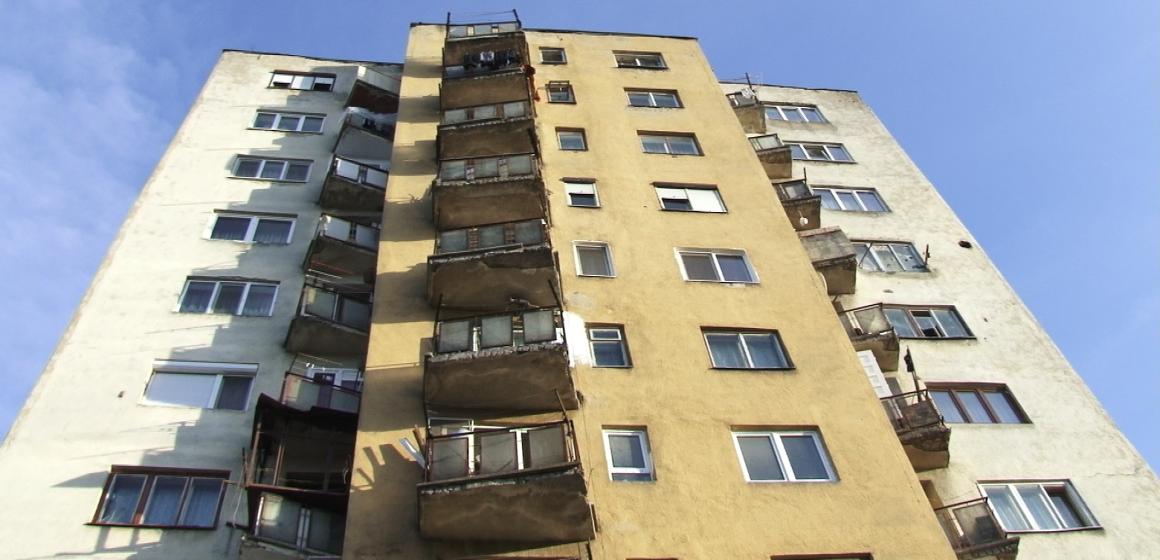 Tragedie în Sighet – un bărbat s-a aruncat de la etajul patru