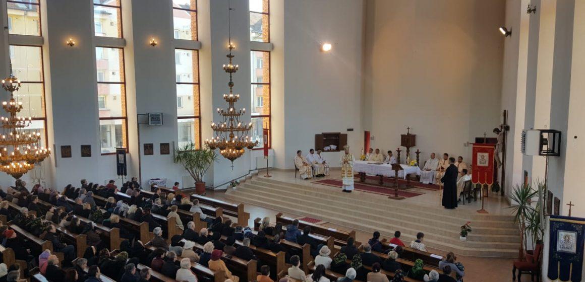 """VIDEO: Momente înălțătoare duminică în Biserica greco catolică """"Cristos Regele Universului"""" din Sighetu Marmației"""