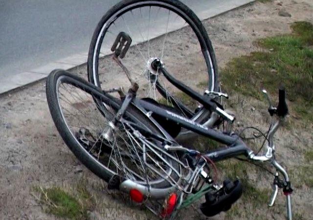 Accident între un tânăr de 18 ani care circula pe o bicicletă electrică și un autoturism pe strada Dragoș Vodă din Sighet