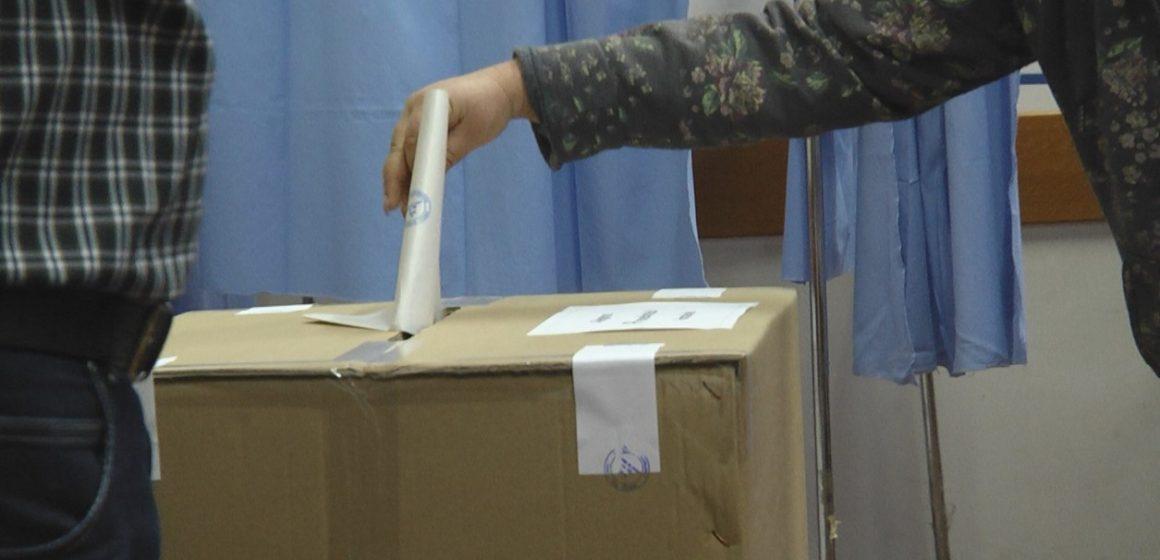 Cei care și-au exprimat opțiunea electorală la scrutinul din 10 noiembrie sunt reținuți în a face scenarii optmiste și se declară dezamăgiți de actorii scenei politice