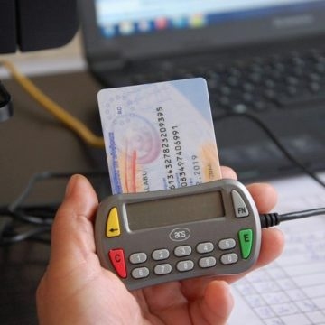 Tipărirea şi distribuţia de carduri europene de sănătate vor fi reluate începând de vineri, 15 noiembrie
