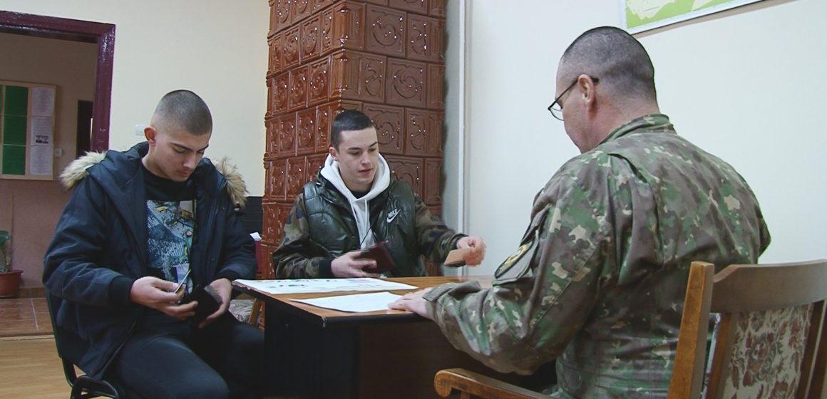 Campanie de recrutare pentru a urma o carieră militară