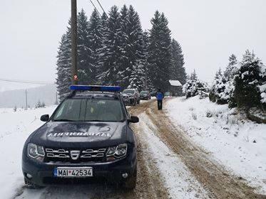 GALERIE FOTO | Sfaturile jandarmilor montani pentru amatorii de sporturi de iarnă și de drumeții