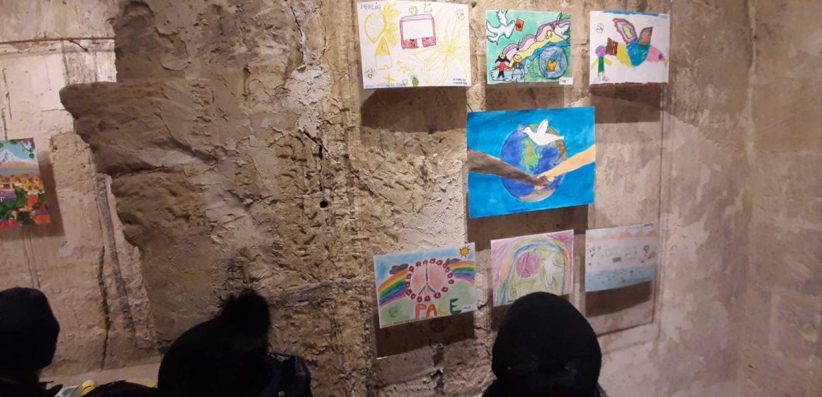 VIDEO | Culori pentru Pace: Expoziții de Ziua Internațională de Comemorare a Victimelor Holocaustului