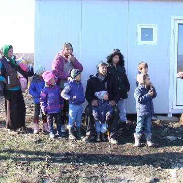 VIDEO | Sprijin pentru o familie cu șapte copii care își ducea traiul în condiții mizere