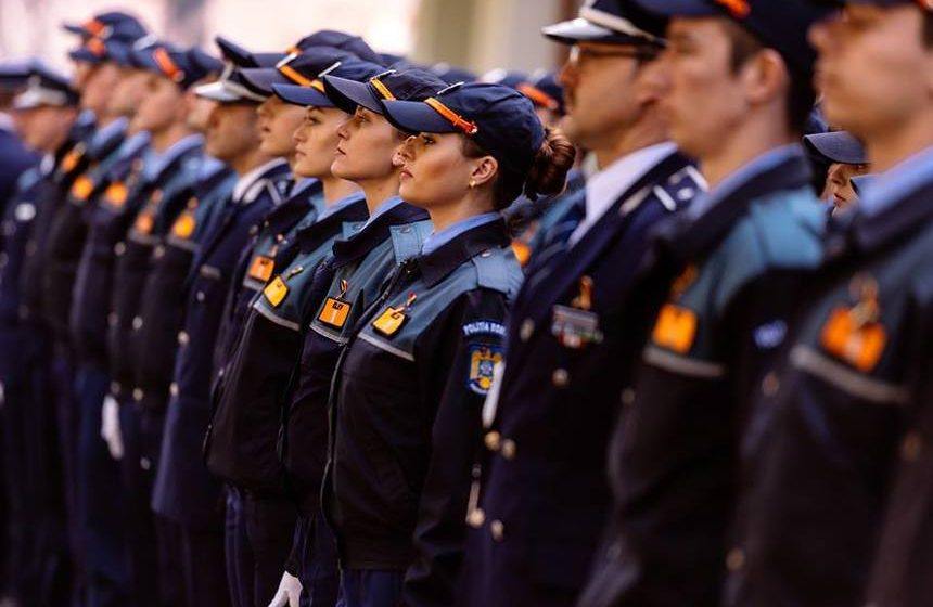 VIDEO   1.737 de elevi ai școlilor MAI încep luni cursurile. În premieră, la specializarea pompieri au fost admise fete