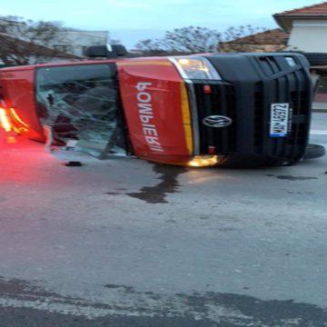 VIDEO   Accident cu un microbuz al ISU cu maramureșeni care trebuiau să fie duși în carantină