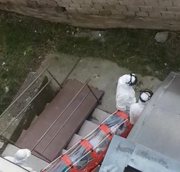 VIDEO | Persoană suspectă de coronavirus dusă cu izoleta la Spitalul de Boli Infecțioase din Baia Mare