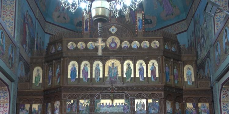 Slujbele religioase se suspendă în Maramureș