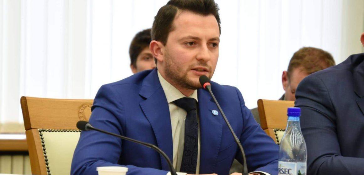VIDEO | Eforturile deputatului Duruș (USR) pentru a aduce bani la bugetul județului, apreciate în plenul Consiliului Județean