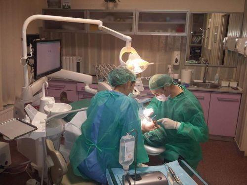 VIDEO   Un singur cabinet de medicină dentară asigură servicii de urgență în Sighet, în această perioadă