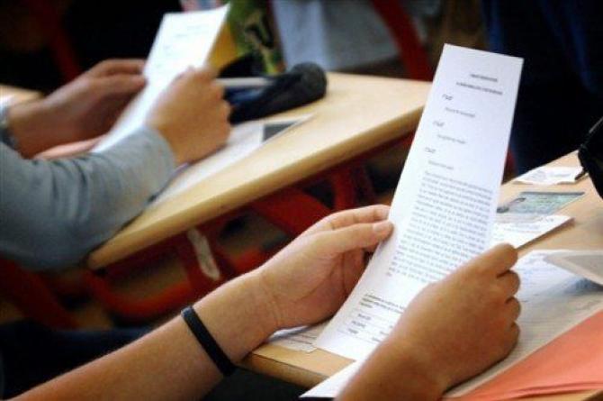 VIDEO | Ministrul educației a aprobat revizuirea programelor de examen pentru Evaluarea Națională și Bacalaureat