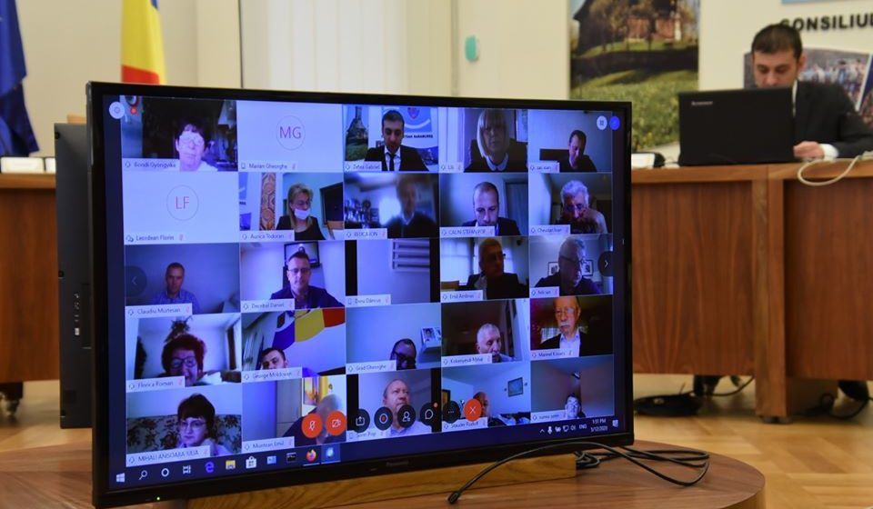 VIDEO | Șapte proiectede hotărâre au fost votate în ședința extraordinară aConsiliuluiJudețeanMaramureș