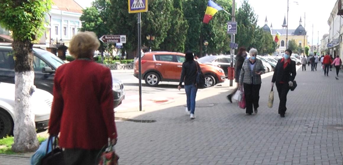 VIDEO | Străzi pline în prima zi de relaxare