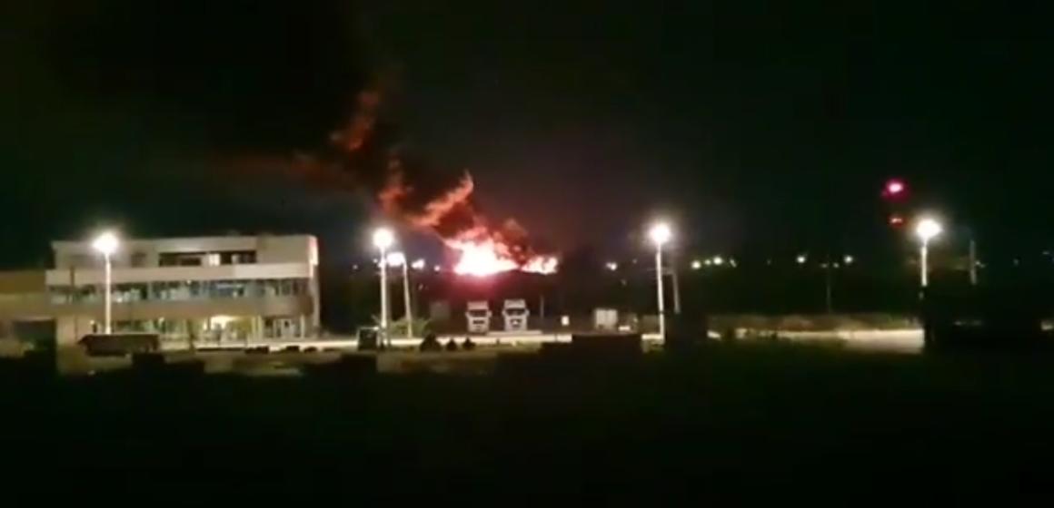 VIDEO | Incendiu violent la groapa de gunoi a Băii Mari, a fost stins abia în ziua următoare