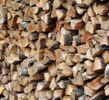Direcția Silvică Maramureș pune la dispoziția cetățenilor lemn de foc, la dimensiunea cerută de clienți