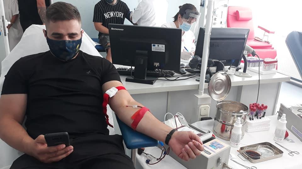 Zimbrii salvează vieți donând sânge!